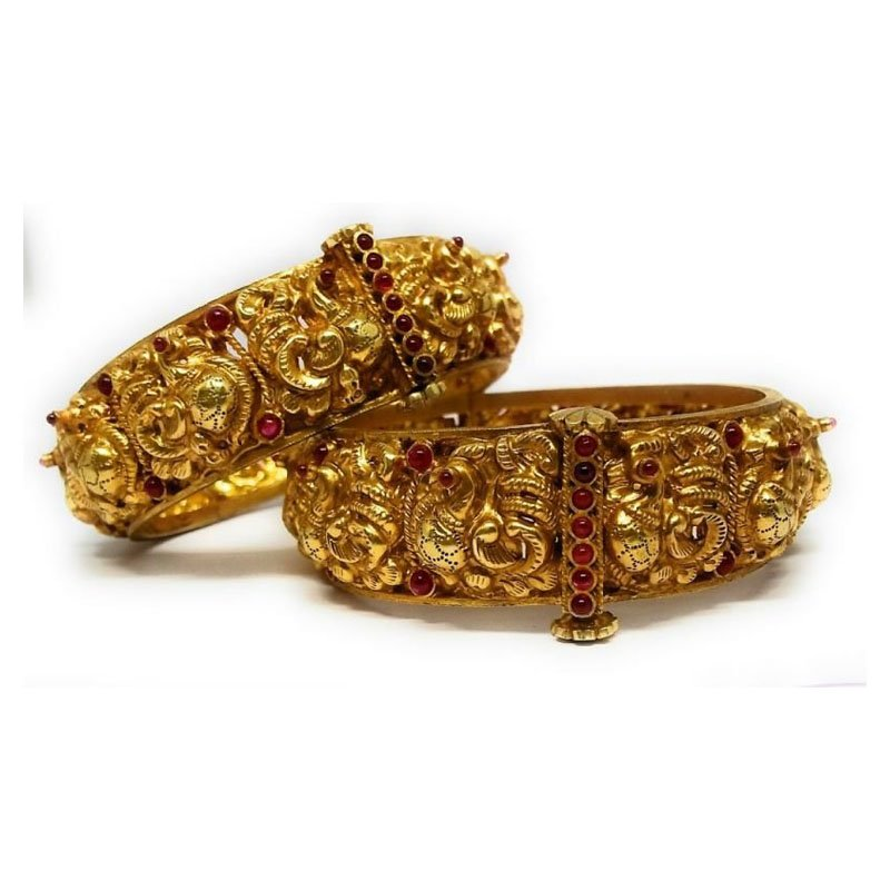 TRADITIONAL FANCY  YELLOW GOLD BANGLE FOR WOMEN
