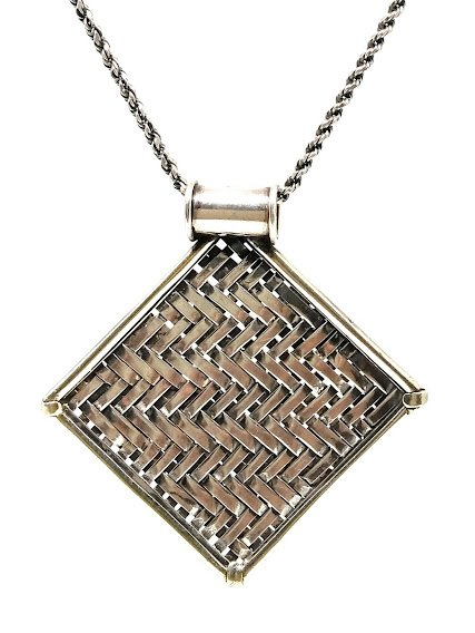 92.5 OXIDIZED SILVER  LOCKET WITH CHAIN  FOR WOMEN