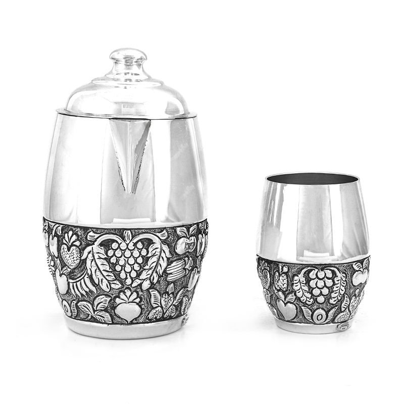 SILVER JUG WITH GLASS ROOM SET